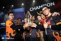 team flash ha doi thu thai lan de len ngoi vo dich giai lien quan mobile aic 2019