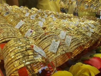 Vàng trong nước 'đứng hình', vàng thế giới lấy lại đà tăng