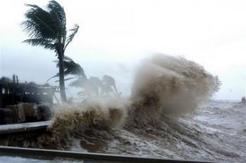 Dự báo thời tiết 12/9: Trung Bộ mưa rất to, cảnh báo lũ quét và sạt lở đất