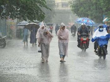 Dự báo thời tiết 9/10: Bão số 7 gây mưa lớn tại nhiều khu vực
