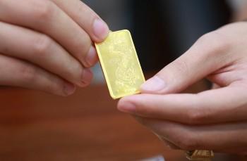 Giá vàng trong nước tiến sát mốc 58 triệu đồng/lượng
