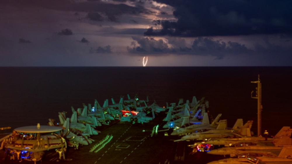 Mỹ đột ngột rút tàu sân bay duy nhất tại Trung Đông về nước