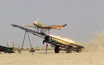 """Iran tập trận máy bay không người lái quy mô """"siêu khủng"""""""