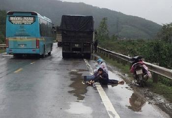 Tin tức tai nạn giao thông ngày 8/1: Trên đường về quê, cả gia đình bị xe container tông thương tâm