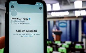 """Cổ phiếu của Twitter """"rớt giá"""" sau khi khóa vĩnh viễn tài khoản của Tổng thống Trump"""