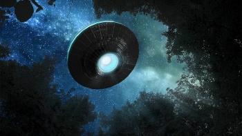 Video gây sốc về máy bay của Hải quân Mỹ chạm trán UFO