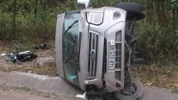 Tin tức tai nạn giao thông nổi bật ngày 25/1: Xe máy va chạm kinh hoàng với ô tô bán tải, 2 người chết