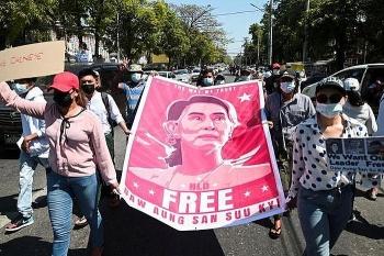 Chính quyền quân sự Myanmar bất ngờ xóa án cho hơn 23.000 tù nhân giữa lúc biểu tình dâng cao