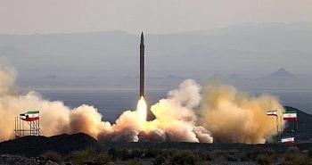 Iran thử nghiệm tên lửa tầm trung mới bắn xa 300km
