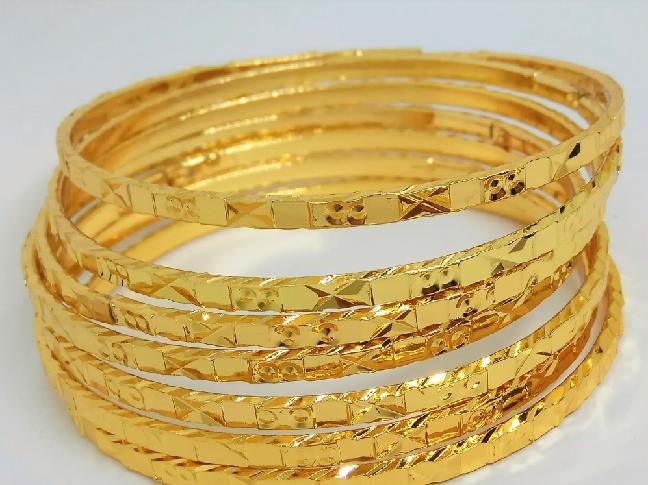 Ngày Thần Tài mua vàng Tây có được không?