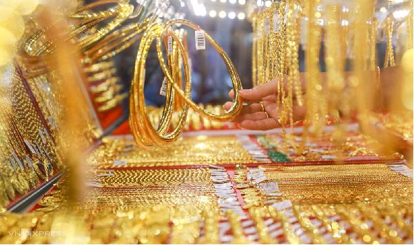 Ngày vía Thần Tài có nên bán vàng không?
