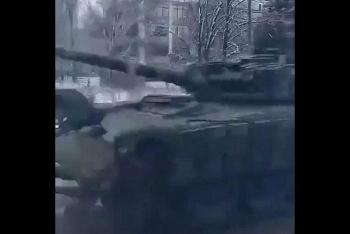DPR rầm rập triển khai hàng chục xe tăng ở Gorlovka, Ukraine chuẩn bị tấn công?