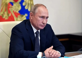 Tổng thống Putin kêu gọi người dân tiêm vaccine ngừa COVID-19