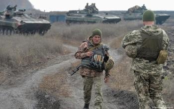 Mỹ tuyên bố hậu thuẫn Ukraine, Nga cảnh báo sắc lạnh