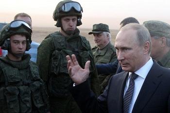 Vì sao Tổng thống Putin phải hành động ở gần Ukraine?