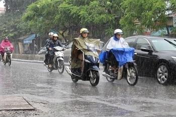 Thời tiết ngày mai 12/4: Đà Nẵng đến Bình Thuận mưa rào và dông, Tây Nguyên đề phòng lốc sét