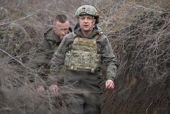 Binh sĩ Ukraine thương vong sau loạt đạn pháo của phiến quân ly khai thân Nga