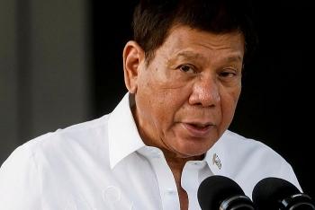 Tổng thống Philippines bất ngờ tái xuất sau nhiều đồn đoán