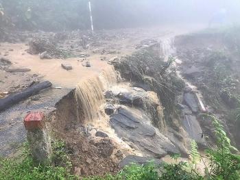 Thời tiết ngày mai 27/4: Thanh Hóa đến Thừa Thiên - Huế mưa giông, đề phòng mưa đá và gió giật mạnh