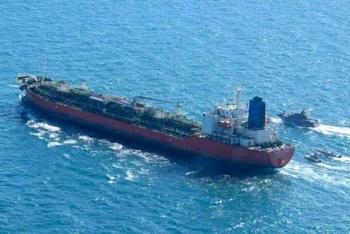 """Israel """"bó tay"""" khi Hải quân Nga bảo vệ tàu chở vũ khí của Iran đến Syria?"""