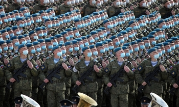Hơn 12.000 binh lính Nga cùng 200 phương tiện cơ giới tập duyệt binh tại thao trường