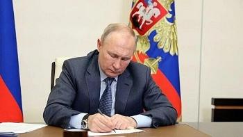 Ukraine đang bị biến thành đối cực của Nga