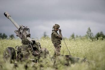 Quân nhân Canada cho đồng đội ăn bánh cần sa trước khi vào diễn tập bắn đạn thật