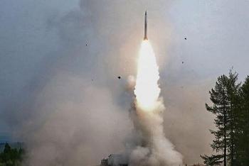 Tổ hợp S-500 phóng Zircon, Nga muốn dành đòn bất ngờ cho đối thủ?