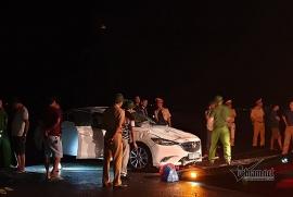 Tin tức tai nạn giao thông sáng 11/7: Ô tô lao xuống biển trong đêm, 4 người nguy kịch