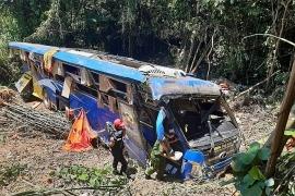 Tin tức tai nạn giao thông (TNGT) mới nhất ngày 12/7: Thêm 1 nạn nhân vụ xe khách lao xuống vực ở Kon Tum tử vong