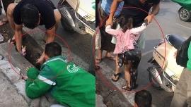 Video tin tức 24h: Nghẹt thở giải cứu bé gái rơi xuống cống ở Hà Nội