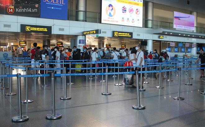Cục Hàng không cho tăng tối đa chuyến bay đưa khách rời Đà Nẵng trong chiều và tối nay