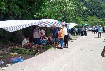Vụ lật xe khách ở Quảng Bình: Nạn nhân tử vong đã lên tới 13 người