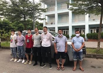 Bắt 5 người Trung Quốc vượt biên bằng thuyền sang Việt Nam