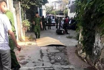 Tin tức pháp luật trong ngày: Người phụ nữ bị đâm chết giữa đường, nghi vì đòi chia tay về lại với chồng cũ