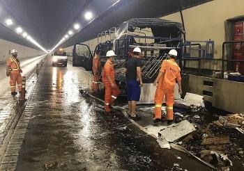 Tin tức tai nạn giao thông (TNGT) sáng 29/7:  Xe tải bốc cháy trong hầm Hải Vân, phong tỏa toàn bộ cửa hầm để dập lửa