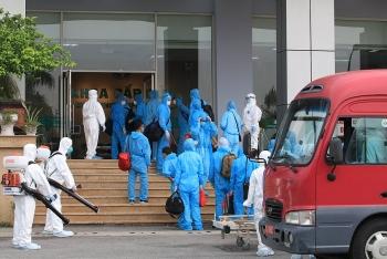 129 bệnh nhân Covid-19 từ Guinea Xích đạo đã về tới khu cách ly ở Đông Anh an toàn