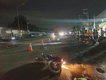 Tin tức tai nạn giao thông (TNGT) sáng 2/8: Container cán chết người đi xe máy rồi bỏ chạy giữa đêm khuya