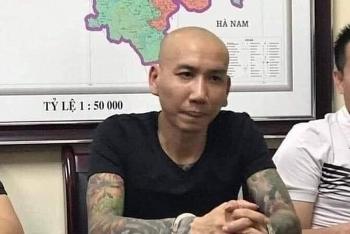"""Vợ chồng """"giang hồ mạng"""" Phú Lê bị bắt vì tội gì?"""