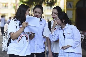 Thi THPT quốc gia 2020: Thí sinh cần mang giấy tờ gì để nhận thẻ dự thi?