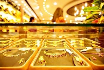 Giá vàng hôm nay 13/8/2020: Thế giới đảo chiều, vàng trong nước tăng mạnh