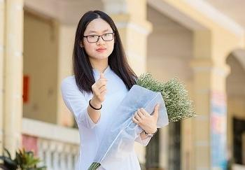 """Nữ sinh xinh đẹp đỗ thủ khoa lớp 10 Hà Nội với hai điểm tuyệt đối, đúng chuẩn """"con nhà người ta"""""""