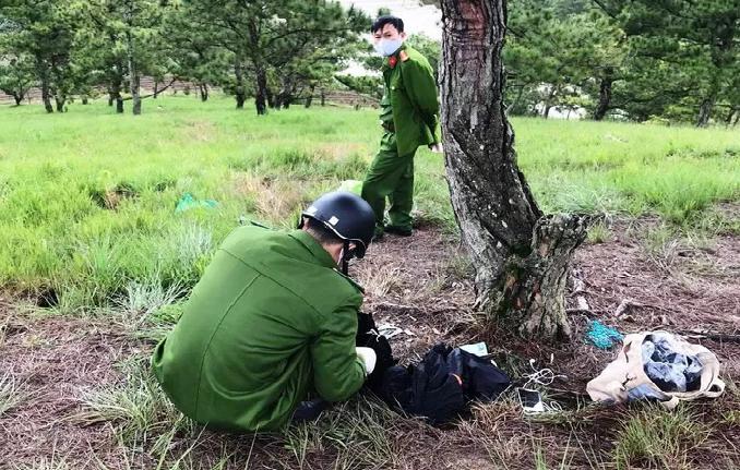 Tin tức thời sự 24h trong ngày mới nhất: Phát hiện thi thể cô gái và thư tuyệt mệnh bên cây thông cô đơn