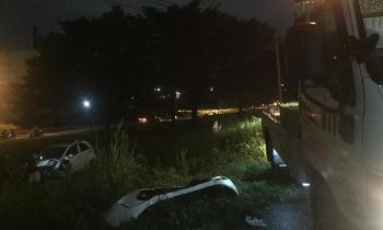 Tin tức tai nạn giao thông sáng 15/8: Chạy 106 Km/h qua vũng nước đọng trên cao tốc Hà Nội – Ninh Bình, ô tô 4 chỗ nát tươm đầu