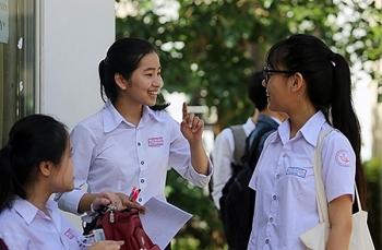Thí sinh đạt 9,75 điểm Ngữ văn tại kỳ thi tốt nghiệp THPT quốc gia đã xuất hiện