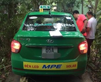 Tin tức pháp luật nóng nhất trong ngày: Bị tên cướp siết cổ giữa đêm khuya, nữ tài xế taxi chống trả quyết liệt