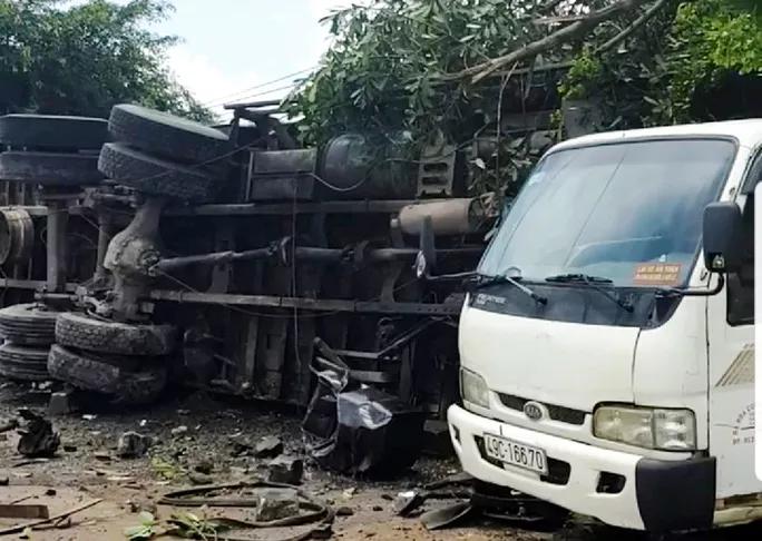 Tin tức tai nạn giao thông (TNGT) nóng nhất chiều 23/8: Xe tải mất lái lao vào nhà dân, tông người đứng trên vỉa hè tử vong tại chỗ
