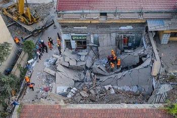 Nhà hàng ở Trung Quốc bất ngờ đổ sập, ít nhất 17 người chết, 21 người đang nguy kịch