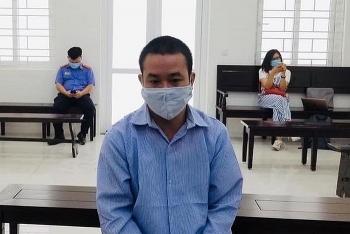 Tin tức pháp luật nóng nhất trong ngày: Dắt dao cạp quần, người đàn ông ở Hà Nội tìm hàng xóm đâm chết