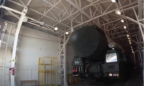 """Báo Trung Quốc: Mỹ sẽ phải """"khụy gối"""" trước """"cơn ác mộng"""" ICBM của Nga"""